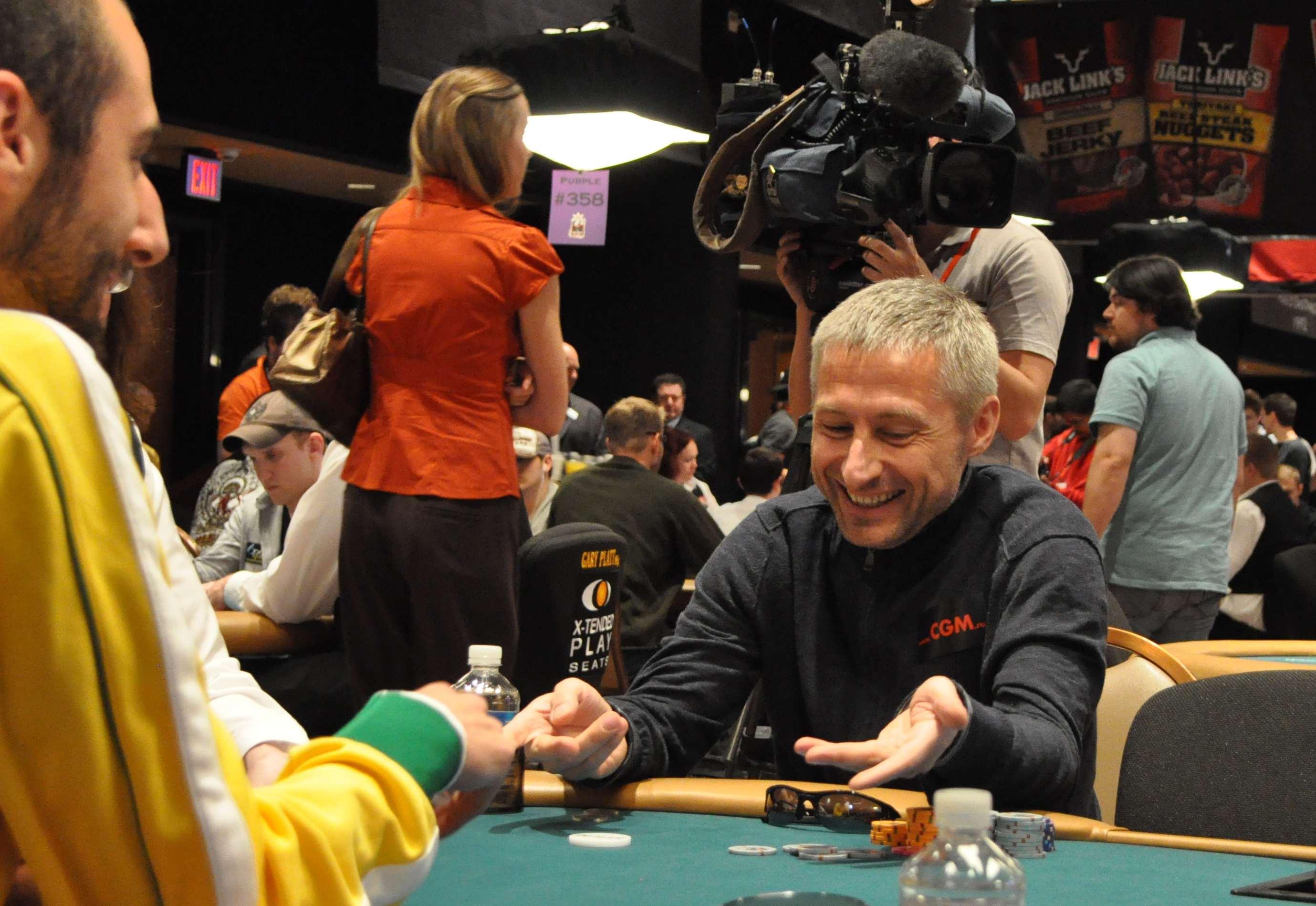 Нажмите на изображение для увеличения Название: Коля покер.jpg Просмотров: 5 Размер:350.5 Кб ID:126319